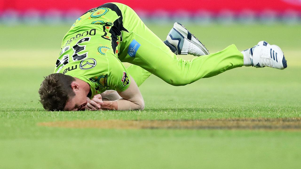 'Absolute shocker': Sydney bowler's BBL hat-trick from hell