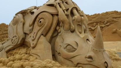 Mira bien de qué está hecha esta escultura