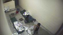 US judge sides with migrants in case against Border Patrol