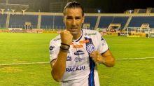 'Foi difícil controlar a emoção, pois minha esposa me ajudou a não desistir', recorda Leandro Kível, ao L!