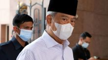 Malaysian premier seeks a state of emergency amid political crisis