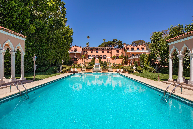 De iconische villa uit 'The Godfather' te koop voor 117 miljoen euro