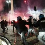 Far-right protesters clash with Rome police over virus curfew