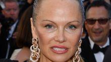 Pamela Anderson luce irreconocible en Cannes y así ha sido su evolución