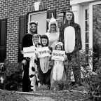 Porch portraits: Families pose during a pandemic