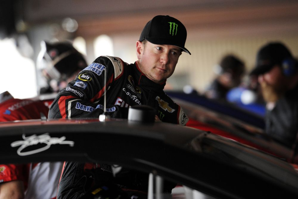 Kurt Busch has pit crew shakeup as Chase heats up