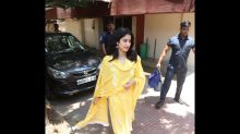 Janhvi Kapoor Looks Like A Ray Of Sunshine In Her Beautiful Yellow Suit