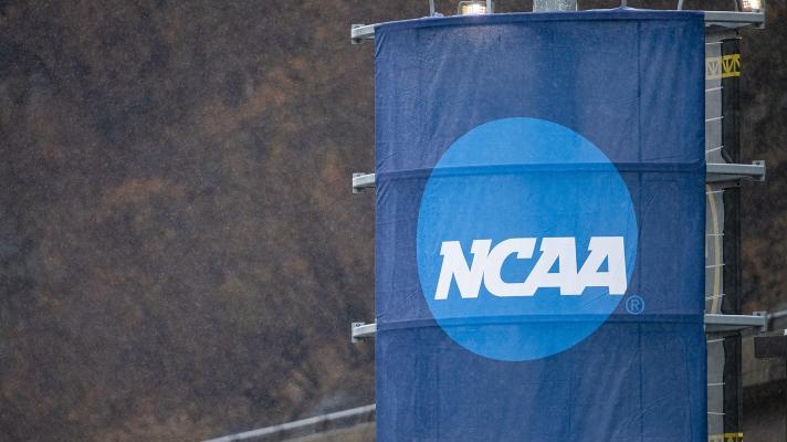 How will the new NCAA Transfer Rule affect recruiting in college sports? | Yahoo Sports College Podcast