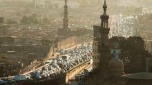 Kairo: Ein Highway 50 Zentimeter vor dem Fenster