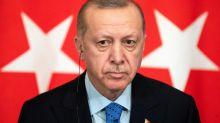 Une caricature d'Erdogan en une de Charlie Hebdo provoque la fureur d'Ankara