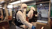"""Bars fermés mais métros bondés à Paris: pour Olivier Véran, """"les transports sont indispensables"""""""