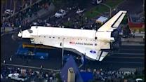 Endeavour desfila por Los Angeles