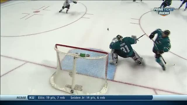 Alex Grant scores his first NHL goal