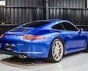 德訂選配眾多 少跑極新 911 Carrera S