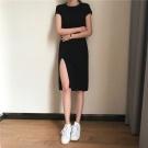修身顯瘦側開叉純色連身裙