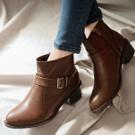 皮釦飾低跟短靴