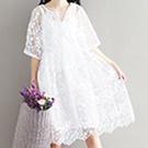日系寬鬆圓領繡花連身裙