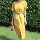 激瘦設計綁帶開叉洋裝