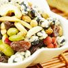 堅果、果乾搭配青仁黑豆與枸杞,口味更香甜、飲食更均衡~  低溫烘焙不燥熱、是您休閒零嘴的新選擇。