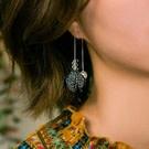 925銀材質抗過敏耳線 超稀有燙銀布材搭配水滴琉璃珠 歐美高冷風格