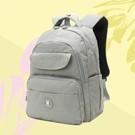 輕量尼龍面料  多隔層實用收納 包款輕盈好攜帶  貼心兩側收納袋 溫柔沈穩色系  日常外出必備款