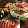組合內容:(每包300g) 烤肉片(五香,黑胡椒各1包)+香腸(原味,蒜味,黑胡椒,咖哩各1包)