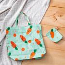 ‧防水面料,防油抗汙 ‧胡蘿蔔圖素,有趣可愛 ‧袋型小巧,攜帶便利