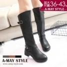 簡約雙釦飾斜口騎士長靴(36-43加大碼)【XHUA36650】TT06653 修身斜口設計