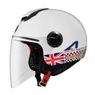 ASTONE全新推出歐風機能帽款,外鏡片與帽殼之間有防水膠條設計,阻擋雨水滲入。