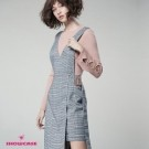 V領胸前吊帶造型 不規襬裙襬拼接 休閒/時尚穿搭必備
