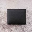 可抽取式插卡夾層 擴增放卡容量 採用頭層牛皮