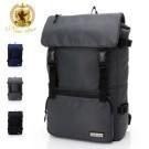 雙扣翻蓋可調整容量,透氣減壓軟墊  兩側可放水瓶、筆電位13吋以下  悠遊卡、眼鏡位、可掛行李箱
