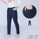 以經典色調的單寧色調呈現 採鬆緊腰圍減去束縛的不適 前後雙口袋實用兼具造型
