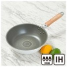 適用於電磁爐、瓦斯爐 ●容易清潔保養的陶瓷塗裝 ●可使用金屬鍋鏟(請使用圓角形的