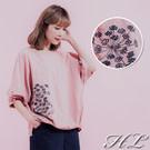 細膩繡花朵圖騰 舒適的衣著質感 寬鬆的版型剪裁