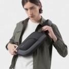 超輕量設計僅重0.35kg,輕薄包身大空間,一鍵收放自如鑰匙扣和16宮冰絲網背墊,讓您背負超輕鬆。