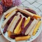 新鮮芋頭、地瓜、紫地瓜製作,有原味、麻辣、雞排、蔥辣、香辣、甘梅六種口味