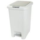 ●2way按壓式開啟垃圾桶。可以手指輕壓或用腳踩踏開啟上蓋。●後方拉動便利的滑輪