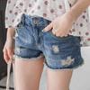 T恤+牛仔褲+休閒鞋就能打造夏天最舒適的流行裝扮