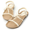 交錯的細帶設計巧妙修飾腳背線條獨特的線條變化豐富了視覺架構軟軟的空氣感鞋底穿起來舒適又自在