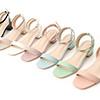一字涼鞋絕對是夏日必備百搭單品柔和的粉彩色系巧妙修飾腳背襯托膚色