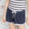 手感柔軟親膚的素色面料,搭配簡約的綁帶設計,舒適短褲穿著自在有型!