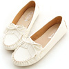 經典的莫卡辛款式具有高度的實穿性,超厚切乳膠鞋墊穿起來既柔軟又舒適