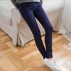 棉感輕柔親膚舒適且細緻手感好穿脫不緊繃彈性布料及窄管褲版型,穿出理想的纖細身型~