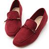 女孩們一定要入手的舒適樂福鞋鞋面的綁繩設計增添視覺層次感與變化多樣色系讓人每一色都好想擁有~