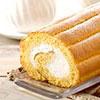 日本夢甜屋的特色商品,蓬鬆柔軟的蛋糕,雲朵般的造型,搭配日本北海道生乳奶油,香甜卻不膩口。