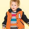 棒球外套造型搭配鮮豔的橘色內層刷毛保暖讓小寶貝暖暖過寒冬