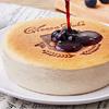 佈滿藍莓漿果的北國藍莓乳酪蛋糕,就像醒在美好的初夏早晨一般,令人期待今日的到來。