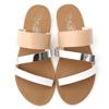 清爽的拼接配色讓夏日人氣急速UP↑鞋面上的線條設計扮演主角級關鍵