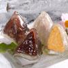 炎炎夏日,想要來點清涼的端午節嗎?吃起來口感軟Q,包裹著冰涼紅豆冰、花生冰,讓胃口瞬間大開!